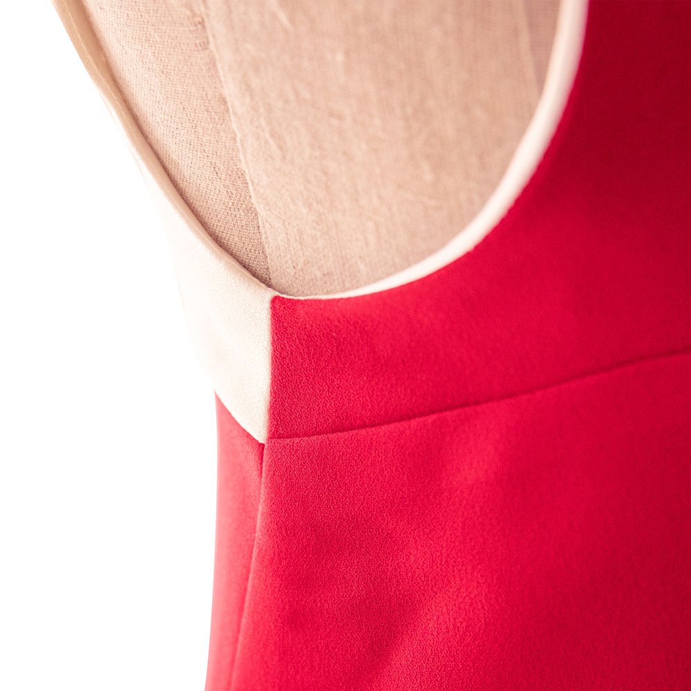 Dress (close)